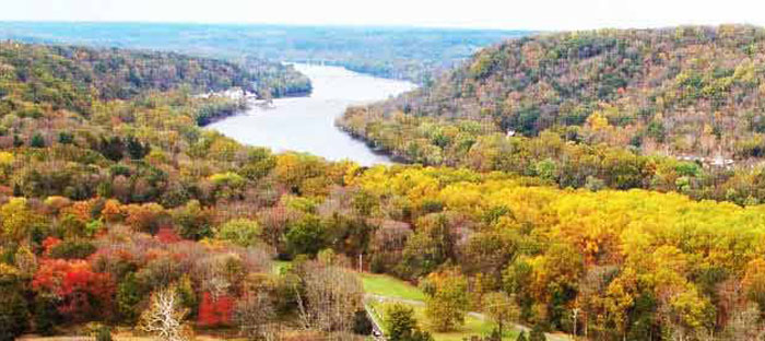 fall is a wonderful time to enjoy shopping, dining, and the wonderful sights in Yardley, Bucks County PA